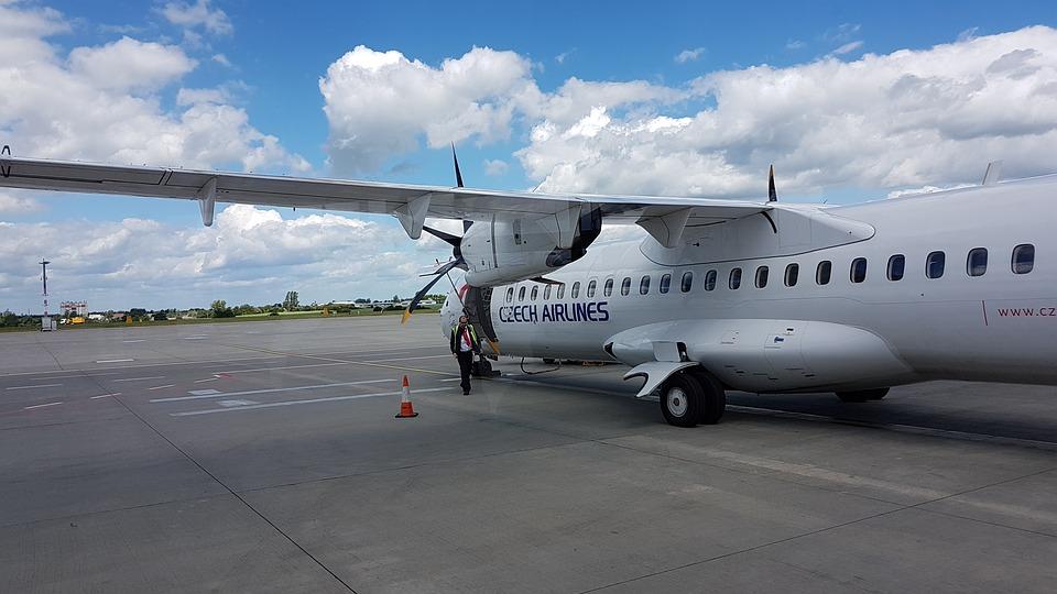 ATR -72 na letišti v Praze