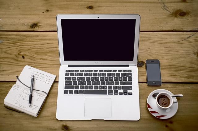 Bloguji, bloguješ, bloguje