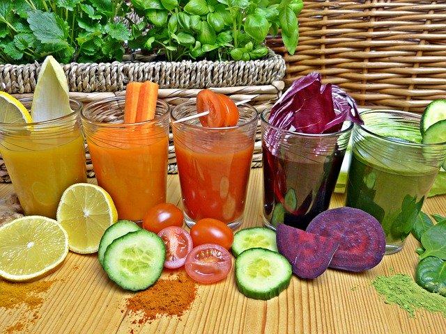 barevné drinky